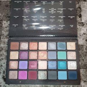 Natasha Denona – Purple Blue Eyeshadow Palette 28